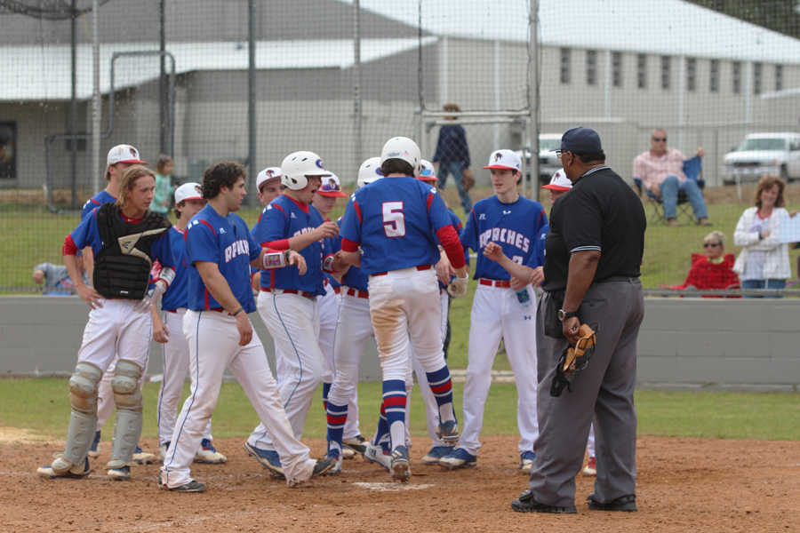 Apaches win district series; Natchitoches, Sterlington Competition results